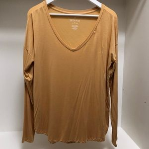 American Eagle Long Sleeve Soft & Sexy Tee in Gold